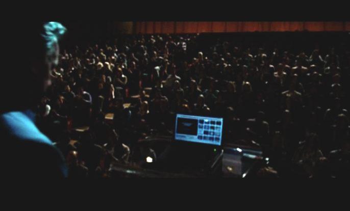 Tom Hanks (Dr. Robert Langdon) address his Parisian audience